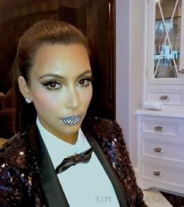 Kim-Kardashian-Violent-Lips-Look-Makeup-112111