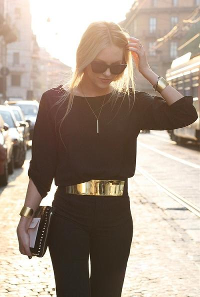 black-gold-outfit